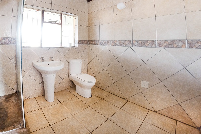 Corriehouse bathroom